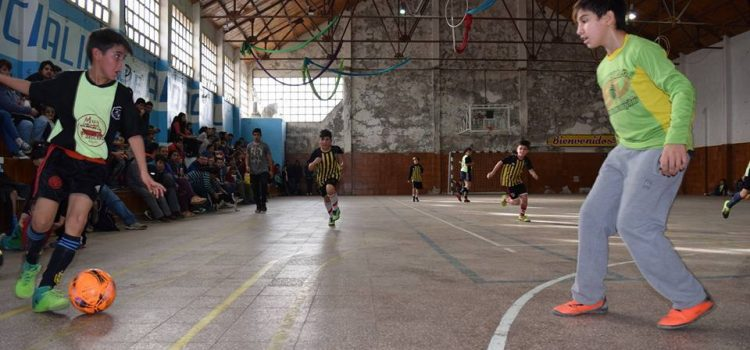 Con gran marco de público se definió el Torneo de Fútbol de Salón de Invierno