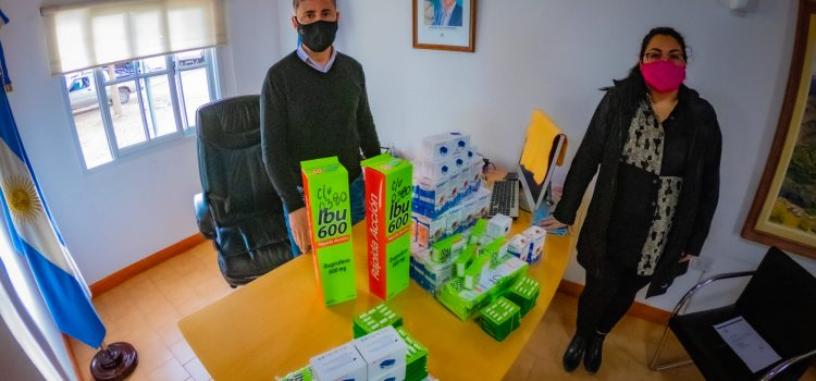 Entrega de saturómetro e  ibuprofeno al Hospital de Área Andacollo